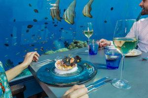フラワリ水中レストラン